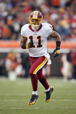 CINCINNATI - DECEMBER 14:  Devin Thomas #11 of the Washington Redskins runs on the field during the NFL game against the Cincinnati Bengals at Paul Brown Stadium December 14, 2008 in Cincinnati, Ohio. (Photo by Andy Lyons/Getty Images)