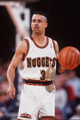 23 FEB 1994:  MAHMOUD ABDUL-RAUF OF THE DENVER NUGGETS IN ACTION AGAINST THE BOSTON CELTICS. Mandatory Credit: Tim Defrisco/ALLSPORT
