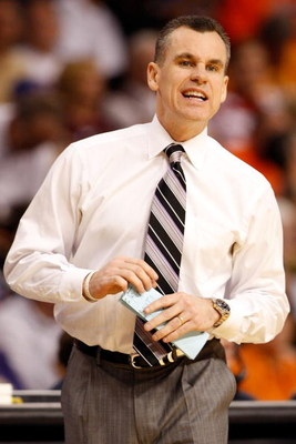 TAMPA, FL - MARCH 13:  Head coach Billy Donovan of the Florida Gators calls a play during the game against the Auburn Tigers during the quaterfinal round of the SEC Men's Basketball Tournament on March 13, 2009 at The St. Pete Times Forum in Tampa, Florid