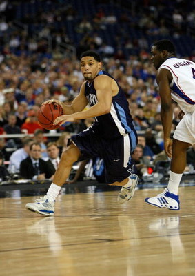 DETROIT - MARCH 28:  Scottie Reynolds #1 of the Villanova Wildcats drives against the Kansas Jayhawks during the Midwest Regional Semifinal of the 2008 NCAA Division I Men's Basketball Tournament at Ford Field on March 28, 2008 in Detroit, Michigan  (Phot