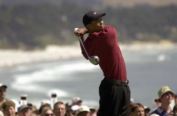 MONTEREY - JUNE 18 : Tiger Woods tees off on the 14th hole during the final round of the 100th US Open on June 18,2000 in Pebble Beach, California. (Photo by: Matthew Stockman/Getty Images)