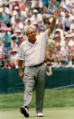 17 JUN 1994:  AFTER SINKING HIS FINAL PUTT, ARNOLD  PALMER ACKNOWLEDGES THE CROWD ON THE 18TH GREEN DURING THE 2ND ROUND OF THE1994 U.S. OPEN  AT OAKMONT COUNTRY CLUB IN OAKMONT, PENNSYLVANIA. PALMER FINISHED THE DAY WITH AN 81, 16 OVER TOTAL FOR THE TOUR
