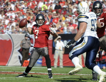 TAMPA, FL - DECEMBER 21: Quarterback Jeff Garcia #7 of the Tampa Bay Buccaneers looks to pass against the San Diego Chargers at Raymond James Stadium on December 21, 2008 in Tampa, Florida.  (Photo by Al Messerschmidt/Getty Images)