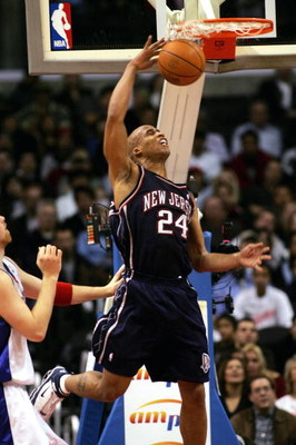 LOS ANGELES - JANUARY 25:  Richard Jefferson #24 of the New Jersey Nets makes a slam dunk against the Los Angeles Clippers on January 25, 2006 at Staples Center in Los Angeles, California. NOTE TO USER: User expressly acknowledges and agrees that, by down