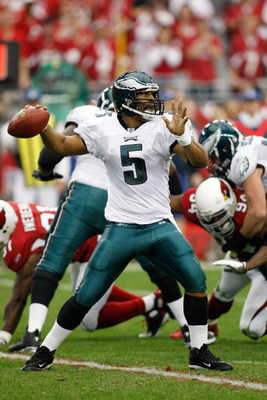 GLENDALE, AZ - JANUARY 18:  Quarterback Donovan McNabb #5 of the Philadelphia Eagles looks to throw the ball in the second quarter during the NFC championship game against the Arizona Cardinals on January 18, 2009 at University of Phoenix Stadium in Glend