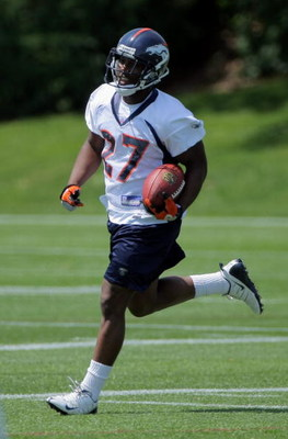 ENGLEWOOD, CO - JUNE 12:  First round draft pick running back Knowshon Moreno #27 of the Denver Broncos runs the ball during minicamp practice at the Broncos Dove Valley training facility on June 12, 2009 in Englewood, Colorado.  (Photo by Doug Pensinger/