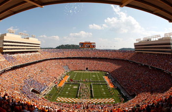 KNOXVILLE, TN - SEPTEMBER 20:  A general view of Neyland Stadium before the start of the Florida Gators versus Tennessee Volunteers on September 20, 2008 in Knoxville, Tennessee.  (Photo by Streeter Lecka/Getty Images)