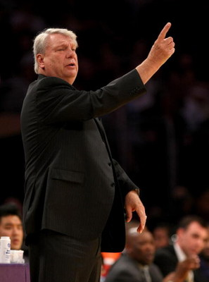 LOS ANGELES - MARCH 19:   Head coach Don Nelson of the Golden State Warriors signals during the game with the Los Angeles Lakers on March 19, 2009 at Staples Center in Los Angeles, California.  The Lakers won 114-106.  NOTE TO USER: User expressly acknowl