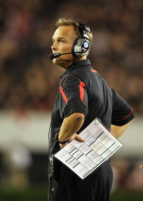 ATHENS, GA - SEPTEMBER 27:  Head coach Mark Richt of the Georgia Bulldogs looks toward the scoreboard late in the game while taking on the Alabama Crimson Tide at Sanford Stadium on September 27, 2008 in Athens, Georgia. Alabama defeated Georgia 41-30.  (