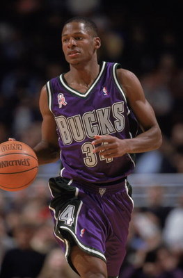 12 Jan 2002:  Guard Ray Allen #34 of the Milwaukee Bucks dribbles the ball during the NBA game against the Chicago Bulls at the United Center in Chicago, Illinois. The Bulls defeated the Bucks 96-92.    NOTE TO USER:  User expressly acknowledges and agree