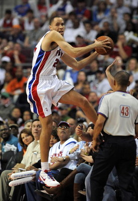 AUBURN HILLS, MI - APRIL 24: Tayshaun Prince #22 of the Detroit Pistons tries to save a ball from going out of bounds while playing the Cleveland Cavaliers in Game Three of the Eastern Conference Quarterfinals during the 2009 NBA Playoffs at the Palace of