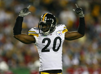 TAMPA, FL - FEBRUARY 01:  Bryant McFadden #20 of the Pittsburgh Steelers gestures on the field against the Arizona Cardinals during Super Bowl XLIII on February 1, 2009 at Raymond James Stadium in Tampa, Florida.  (Photo by Jamie Squire/Getty Images)