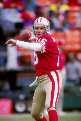 9 Jan 1993: Quarterback Joe Montana of the San Francisco 49ers passes the ball during a playoff game against the Washington Redskins at Candlestick Park in San Francisco, California. The 49ers won the game 20-13.