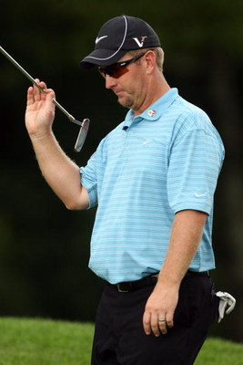 FARMINGDALE, NY - JUNE 21:  David Duval walks to a green during the continuation of the third round of the 109th U.S. Open on the Black Course at Bethpage State Park on June 21, 2009 in Farmingdale, New York.  (Photo by Andy Lyons/Getty Images)