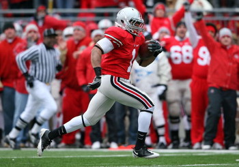 COLUMBUS, OH - NOVEMBER 22: Dan Herron #1 of the Ohio State Buckeyes runs for a touchdown during the Big Ten Conference game againt the Michigan Wolverines at Ohio Stadium on November 22, 2008 in Columbus, Ohio. Ohio State won 42-7. (Photo by Andy Lyons/G