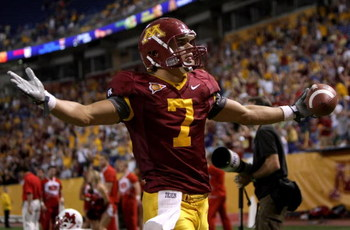MINNEAPOLIS, MN - SEPTEMBER 08:  Eric Decker #7 of the Minnesota Golden Gophers celebrates his touchdown reception in the first overtime period against the Miami of Ohio Redhawks as Minnesota defeated Miami of Ohio 41-35 in triple overtime at the Metrodom