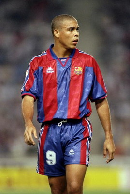 1996:  Ronaldo of Barcelona during the Primera Liga match against San Lorenzo at the Nou Camp in Barcelona. \ Mandatory Credit: Shaun Botterill /Allsport