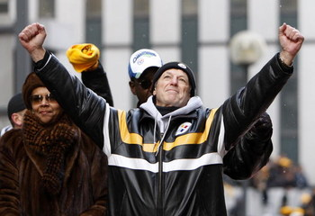 PITTSBURGH - FEBRUARY 03: Defensive Coordinator Dick LeBeau of the Pittsburgh Steelers pumps his fists during a parade to celebrate winning Super Bowl XLIII on February 3, 2009 in Pittsburgh, Pennsylvania.  (Photo by Gregory Shamus/Getty Images)