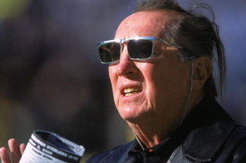 3 Dec 2000:  A close up of Owner Al Davis of the Oakland Raiders as he looks on during the game against the Pittsburgh Steelers at the Three Rivers Stadium in Pittsburgh, Pennsylvania.  The Steelers defeated the Raiders 21-20.Mandatory Credit: Tom Pidgeon