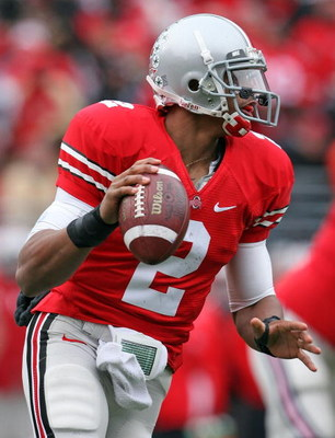 COLUMBUS, OH - NOVEMBER 22:  Terrelle Pryor #2 of the Ohio State Buckeyes looks to pass the ball during the Big Ten Conference game against the Michigan Wolverines at Ohio Stadium on November 22, 2008 in Columbus, Ohio. Ohio State won 42-7.  (Photo by And