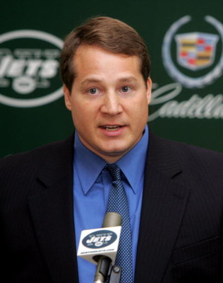 UNIONDALE, NY - JANUARY 17:  Eric Mangini speaks to the media during the press conference introducing him as the new head coach of the New York Jets on January 17, 2006 at the Jets Complex at Hofsta University in Uniondale, New York.(Photo by Jim McIsaac/