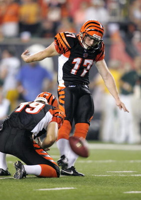 CINCINNATI - AUGUST 28: Shayne Graham #17 of the Cincinnati Bengals kicks during the pre-season game with the Green Bay Packers at Paul Brown Stadium on August 28, 2006 in Cincinnati, Ohio. The Bengals won 48-17. (Photo by Andy Lyons/Getty Images)
