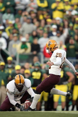 EUGENE, OR - NOVEMBER 03: Thomas Weber #28 of the Arizona State Sun Devils kicks a field goal during the game against the Oregon Ducks at Autzen Stadium on November 3, 2007 in Eugene, Oregon. The Ducks defeated the Sun Devils 35-23. (Photo by Otto Greule
