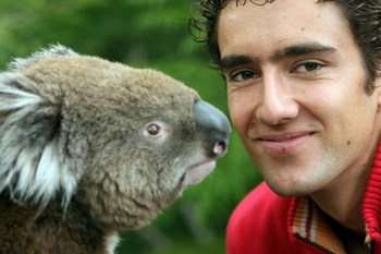 MELBOURNE, AUSTRALIA - JANUARY 20:  Marin Cilic of Croatia pays a visit to Melbourne Zoo on day seven of the Australian Open 2008 on January 20, 2008 in Melbourne, Australia.  (Photo by Kristian Dowling/Getty Images)