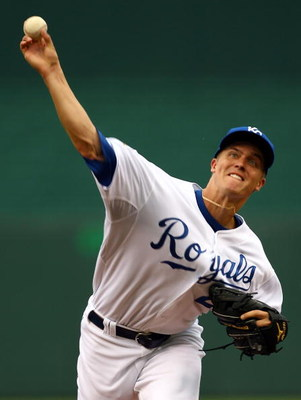 KANSAS CITY, MO - JUNE 17:  Starting pitcher Zack Greinke #23 of the Kansas City Royals pitches just prior to the start of the game against  the Arizona Diamondbacks on June 17, 2009 at Kauffman Stadium in Kansas City, Missouri.  (Photo by Jamie Squire/Ge