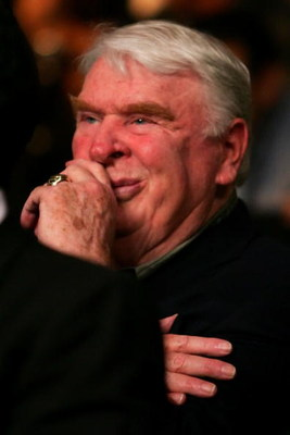 LAS VEGAS - MAY 05:  NFL broadcaster John Madden watches the fight between Rocky Juarez and Jose A. Hernandez during their WBA featherweight championship fight at the MGM Grand Garden Arena May 5, 2007 in Las Vegas, Nevada.  (Photo by Al Bello/Getty Image