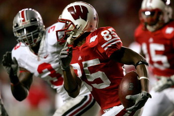 MADISON, WI - OCTOBER 04:  David Gilreath #85 of the Wisconsin Badgers returns a kickoff against the Ohio State Buckeyes at Camp Randall Stadium  October 4, 2008 in Madison, Wisconsin.  (Photo by Matthew Stockman/Getty Images)