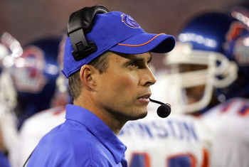 GLENDALE, AZ - JANUARY 01:  Head coach Chris Petersen of the Boise State Broncos looks on in the fourth quarter against the Oklahoma Sooners at the Tostito's Fiesta Bowl at University of Phoenix Stadium on January 1, 2007 in Glendale, Arizona. The Broncos