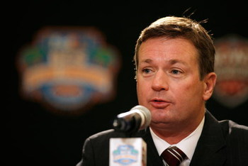 FORT LAUDERDALE, FL - JANUARY 07:  Head coach Bob Stoops of the Oklahoma Sooners speaks during the FedEx BCS Head Coaches Press Conference at Harbor Beach Marriott Resort &amp; Spa on January 7, 2009 in Fort Lauderdale, Florida.  (Photo by Doug Benc/Getty Ima