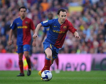 BARCELONA, SPAIN - MAY 10:  Andres Iniesta of Barcelona in action during the La Liga match between Barcelona and Villarreal at the Nou Camp stadium on May 10, 2009 in Barcelona, Spain.  (Photo by Denis Doyle/Getty Images)