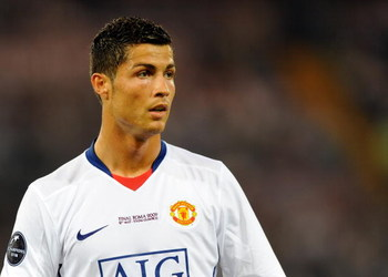 ROME - MAY 27: Cristiano Ronaldo of Manchester United during the UEFA Champions League Final match between Barcelona and Manchester United at the Stadio Olimpico on May 27, 2009 in Rome, Italy. (Photo by Claudio Villa/Getty Images)