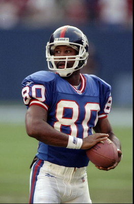 8 Aug 1998:  Wide receiver Chris Calloway #80 of the New York Giants in action during a pre-season game against the Cincinnati Bengals at the Giants Stadium in East Rutherford, New York. The Giants defeated the Bengals 24-17. Mandatory Credit: David Seeli