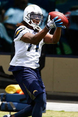 SAN DIEGO - MAY 03: Wide receiver Legedu Naanee #11 of the San Diego Chargers catches a pass during minicamp at the Chargers training facility on May 3, 2009 in San Diego, California. (Photo by Kevin Terrell/Getty Images)