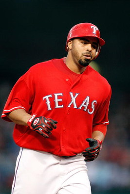 ARLINGTON, TX - JUNE 30:  Nelson Cruz #17 of the Texas Rangers on June 30, 2009 at Rangers Ballpark in Arlington, Texas.  (Photo by Ronald Martinez/Getty Images)