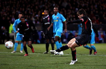 LYON, FRANCE - NOVEMBER 27:  Juninho of Lyon equalises from the penalty spot during the UEFA Champions League Group E match between Lyon and Barcelona at the Stade Gerland on November 27, 2007 in Lyon, France.  (Photo by Mike Hewitt/Getty Images)