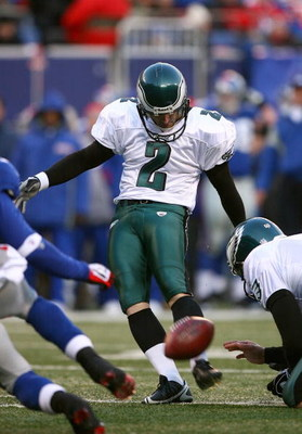 EAST RUTHERFORD, NJ - JANUARY 11:  Place kicker David Akers #2 of the Philadelphia Eagles attempts a field goal during the NFC Divisional Playoff Game against the New York Giants on January 11, 2009 at Giants Stadium in East Rutherford, New Jersey.  The E