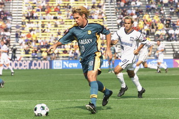 21 Oct 2001: Paul Caligiuri #20 of the Los Angeles Galaxy controls the ball past Landon Donovan #10 of the San Jose Earthquakes during the Major League Soccer Cup at the Columbus Crew Stadium in Columbus, Ohio. DIGITAL IMAGE. Mandatory Credit: Brian Bahr/
