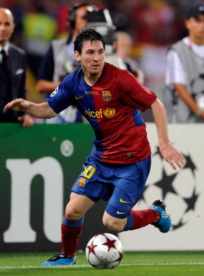 ROME, ITALY - MAY 27:  Lionel Messi of Barcelona in action during the UEFA Champions League Final match between Barcelona and Manchester United at the Stadio Olimpico on May 27, 2009 in Rome, Italy.  (Photo by Claudio Villa/Getty Images)