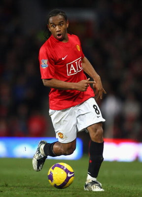 MANCHESTER, UNITED KINGDOM - NOVEMBER 01:  Anderson of Manchester United in action during the Barclays Premier League match between Manchester United and Hull City at Old Trafford on November 1, 2008 in Manchester, England. (Photo by Jamie McDonald/Getty