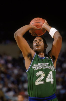 LOS ANGELES - 1987:  Mark Aguirre #24 of the Dallas Mavericks shoots a free throw during the NBA game against the Los Angeles Lakers at the Great Western Forum in Los Angeles, California in 1987. (Photo by Mike Powell/Getty Images)