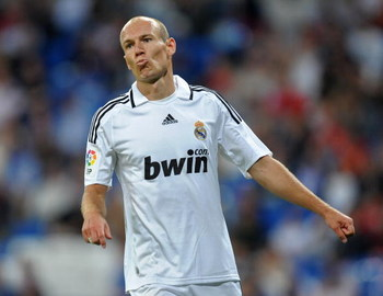 MADRID, SPAIN - MAY 24:  Arjen Robben of Real Madrid reacts during the La Liga match between Real Madrid and Mallorca at the Santiago Bernabeu Stadium on May 24, 2009 in Madrid, Spain.  (Photo by Jasper Juinen/Getty Images)
