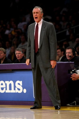 LOS ANGELES, CA - FEBRUARY 28:  Head coach Pat Riley of the Miami Heat shouts during the game with the Los Angeles Lakers on February 28, 2008 at Staples Center in Los Angeles, California.  The Lakers won 106-88. NOTE TO USER: User expressly acknowledges