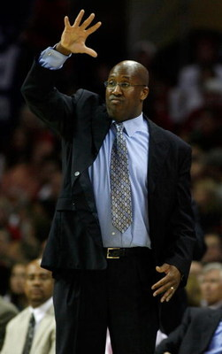 CLEVELAND - MAY 16:  Mike Brown, head coach of the Cleveland Cavaliers calls a play while playing the New Jersey Nets in Game Five of the Eastern Conference Semifinals during the 2007 NBA Playoffs at Quicken Loans Arena on May 16, 2007 in Cleveland, Ohio.