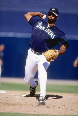 11 Mar 1998:  Pitcher Heathcliff Slocumb of the Seattle Mariners in action during a spring training game against the Arizona Diamondbacks at the Peoria Sports Complex in Peoria, Arizona. Mandatory Credit: Jed Jacobsohn  /Allsport