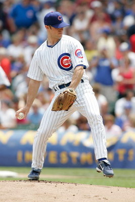 CHICAGO, IL- JULY 12:  Pitcher Rich Harden #40 of the Chicago Cubs pitches the baseball against the San Francisco Giants at Wrigley Field on July 12, 2008 in Chicago, Illinois. (Photo by Scott Boehm/Getty Images)