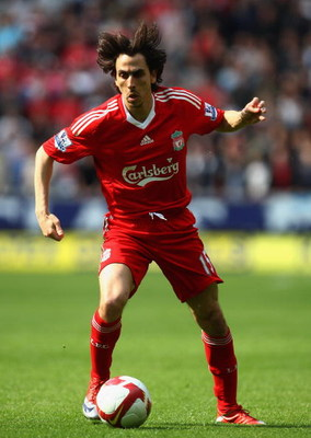 HULL, UNITED KINGDOM - APRIL 25:  Yossi Benayoun of Liverpool in action during the Barclays Premier League match between Hull City and Liverpool at the KC Stadium on April 25, 2009 in Hull, England.  (Photo by Laurence Griffiths/Getty Images)